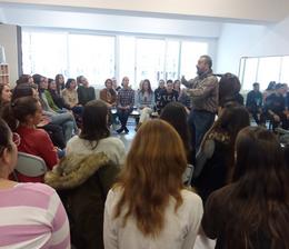 Actuació al Centre López Vicuña reivindicant els DRETS DELS INFANTS