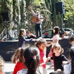 Noè actuant a l'escola Ramon Llull (BCN)